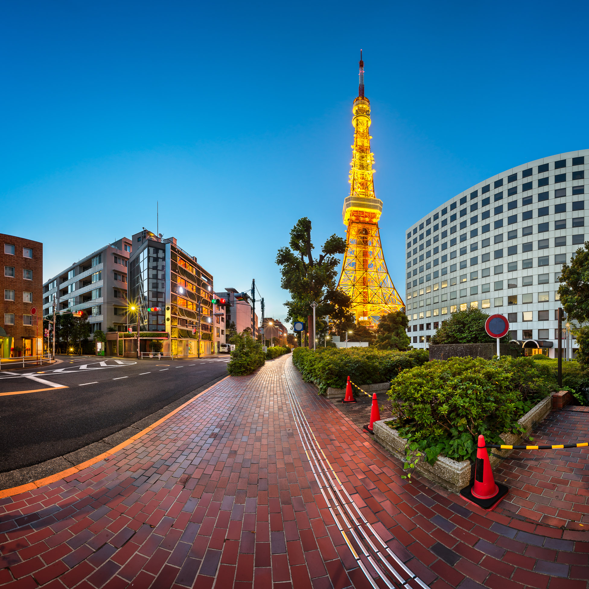 Tokyo Tower and Shibakoen Street in the Morning, Minato, Tokyo, Japan