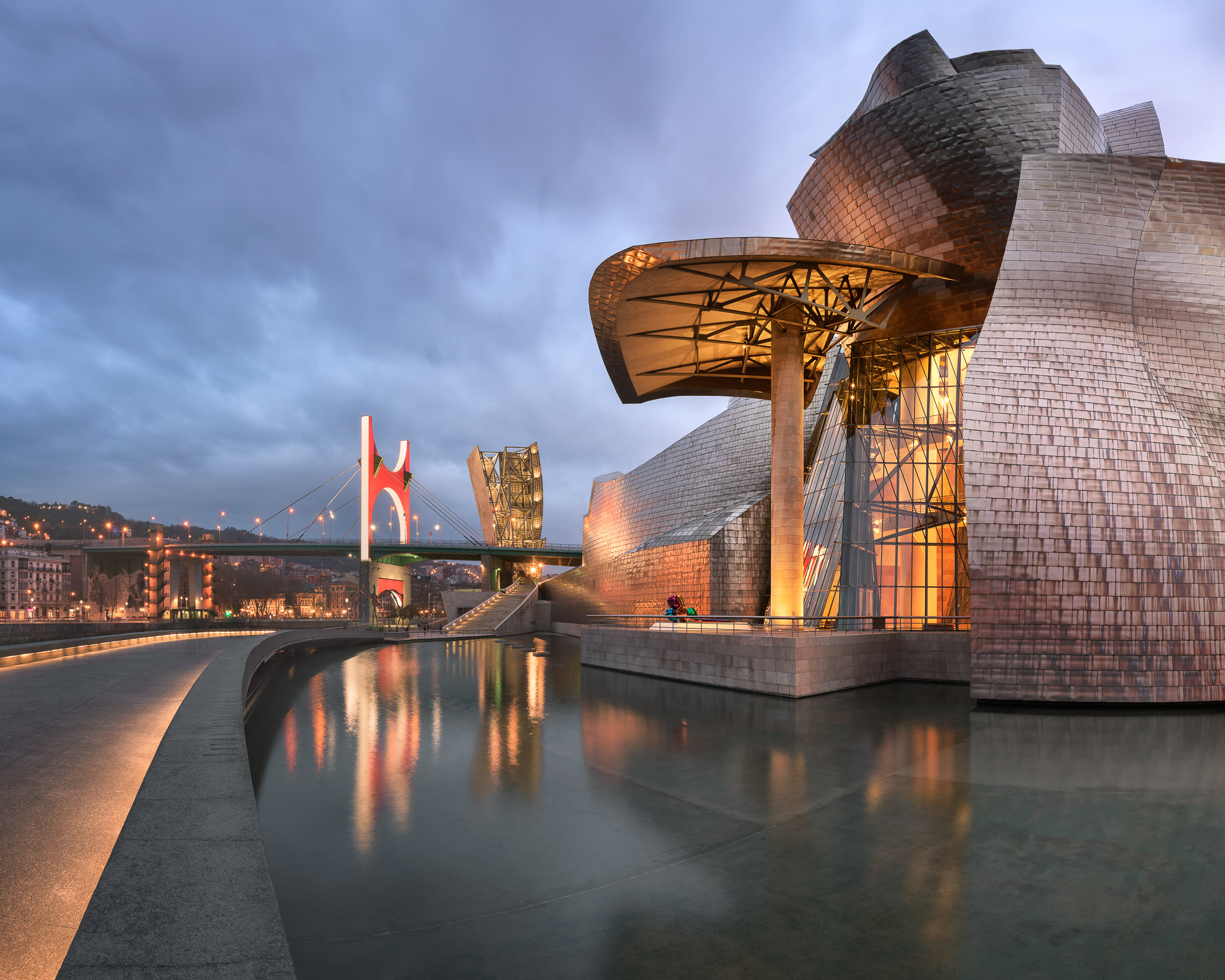 Salbeko Zubia Bridge and Guggenheim Museum in the Evening, Bilbao, Spain
